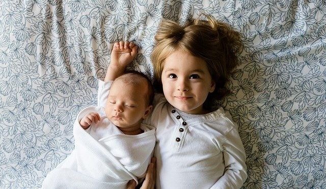 HAVING BABIES IN MEDICAL SCHOOL
